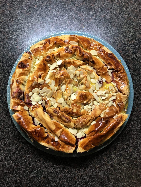 пирог улитка с вишней фото