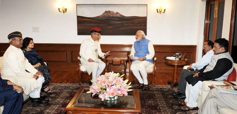A delegation from Aligarh Muslim University led by the Vice Chancellor, Lt. Gen. Zameer Uddin Shah calls on the Prime Minister, Mr. Narendra Modi, in New Delhi on March 05, 2016.