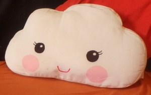 [Picture] White cushion with smiling face