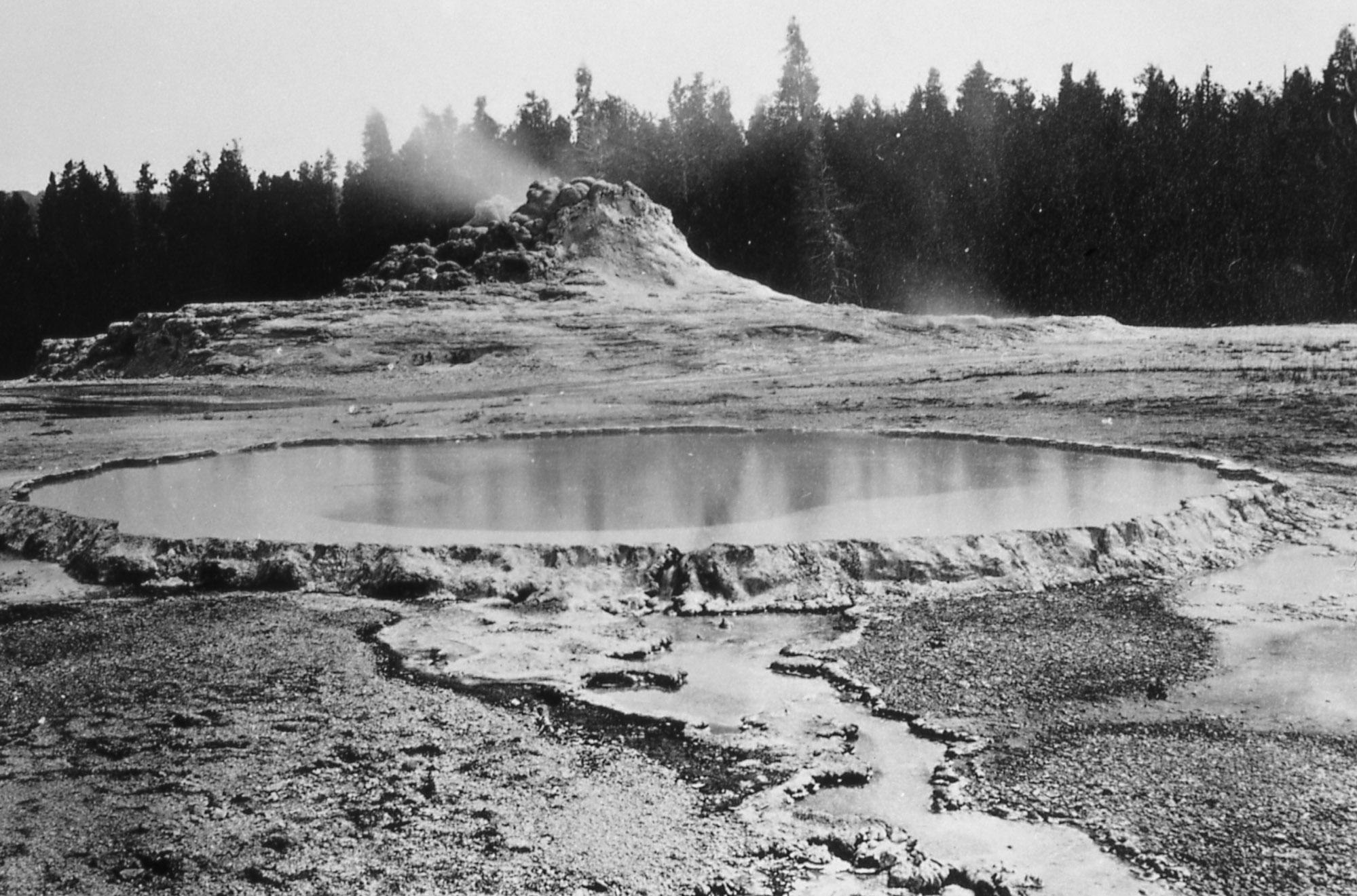 Yellowstone History Castle Geyser Yellowstone Insider