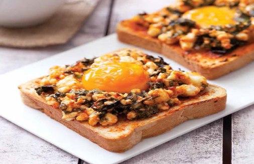feslegenli-tost-omlet