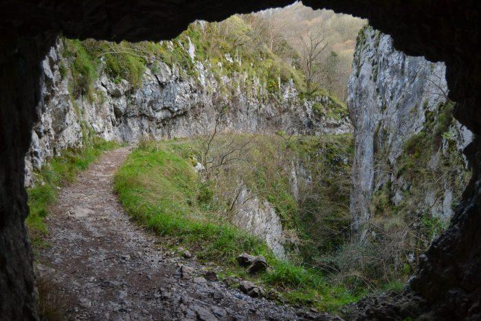 Desfiladero de las Xanas desde un túnel