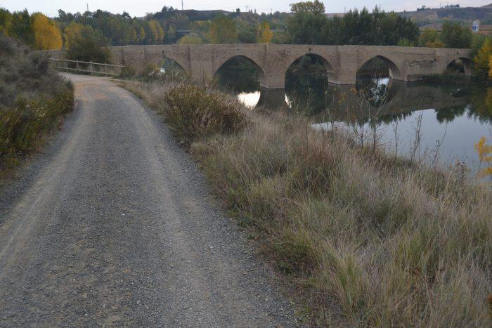 Camino hacia el Puente de Briñas