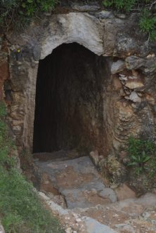 Túnel de acceso a Praia do Carvalho