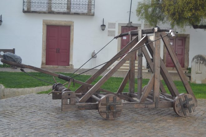 Antigua catapulta del Castillo