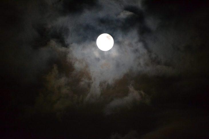 La luna en Mundaka