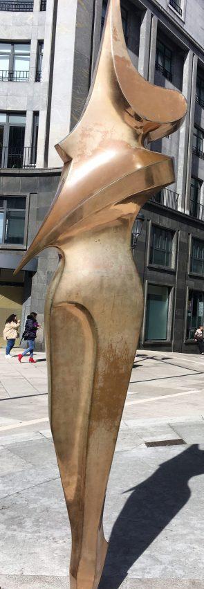 """Escultura """"La Bailarina"""""""