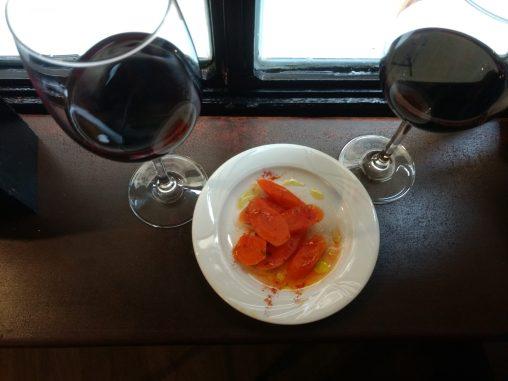 Vino Madremia y tapa de zanahorias aliñadas