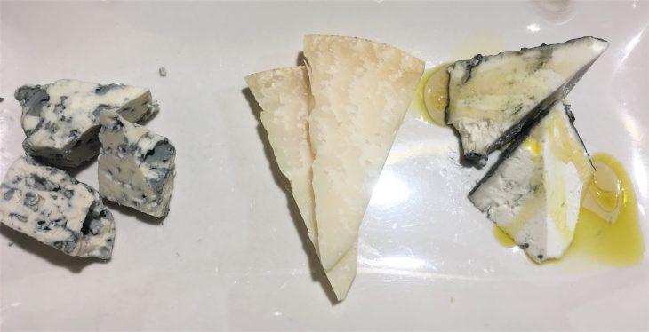 Un poco de los tres quesos