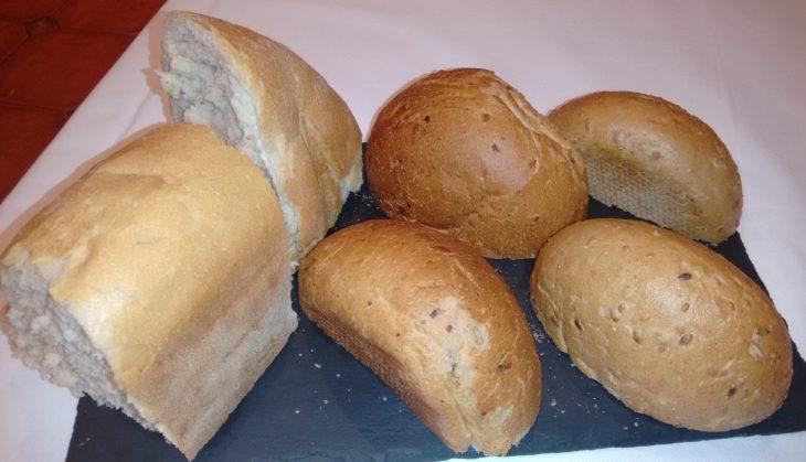 Pan casero, de pasas y nueces y de centeno