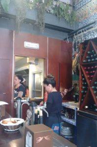 Cocina y Barra del Bar Las Golondrinas
