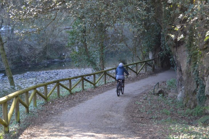 Ruta de la Senda del Oso en bicicleta