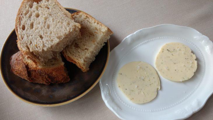 Panes y Mantequilla aromatizada