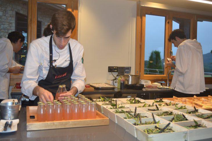 Cocina a la vista en Restaurante Eneko de Larrabetzu