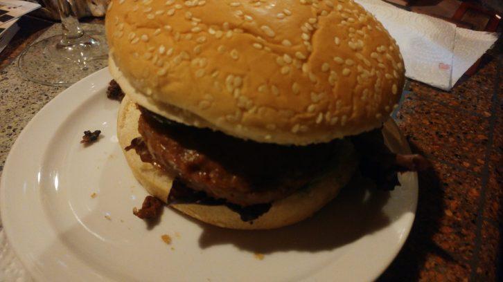 Hamburguesa de carne avileña negra
