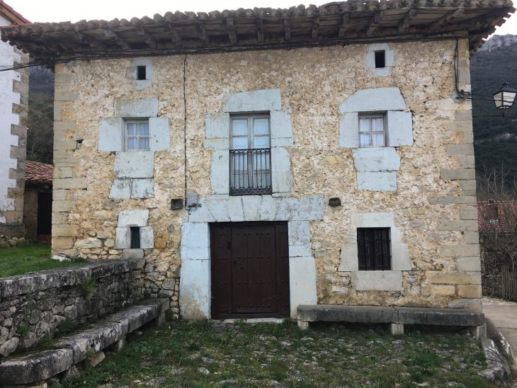 Casa de piedra de Cadagua