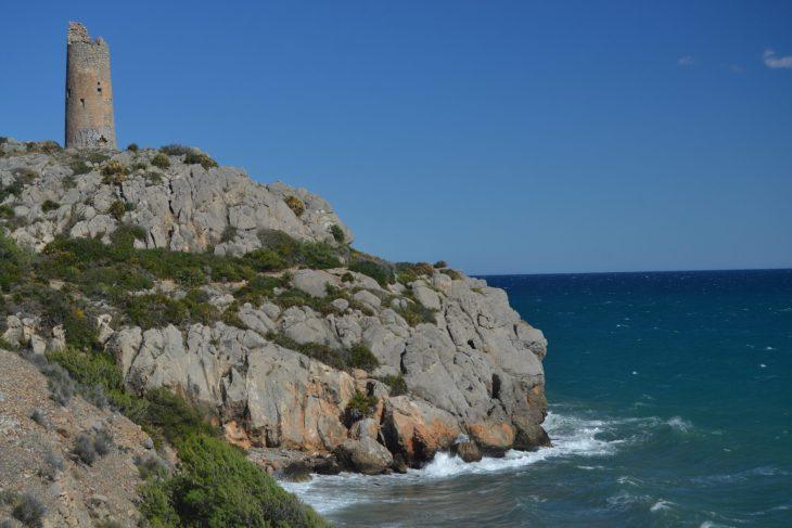 Torre de Colomera sobre la roca del Gegant