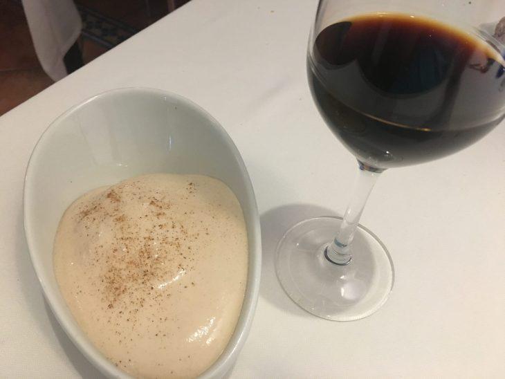 Natillas heladas y vino de Jerez Pedro Ximenex Romate