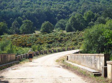 Puente sobre el río Engaña