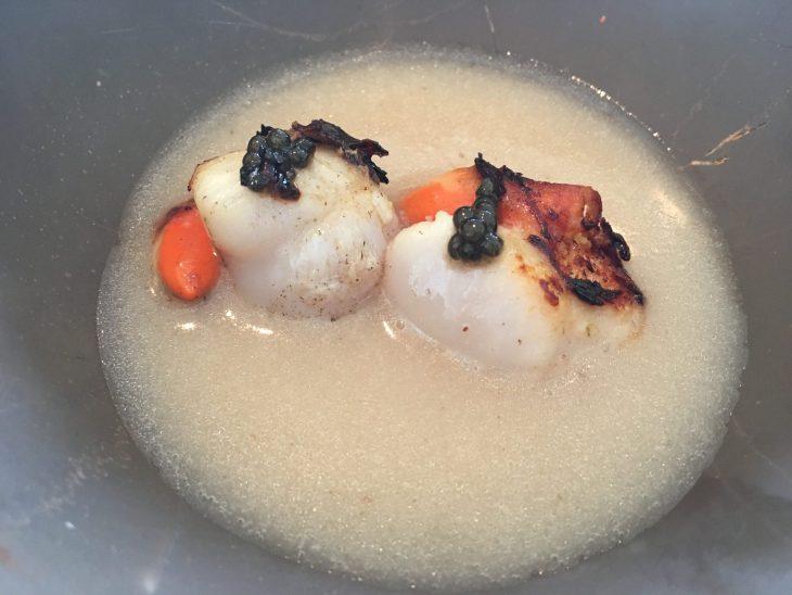 Zamburiña, tuétano y caviar