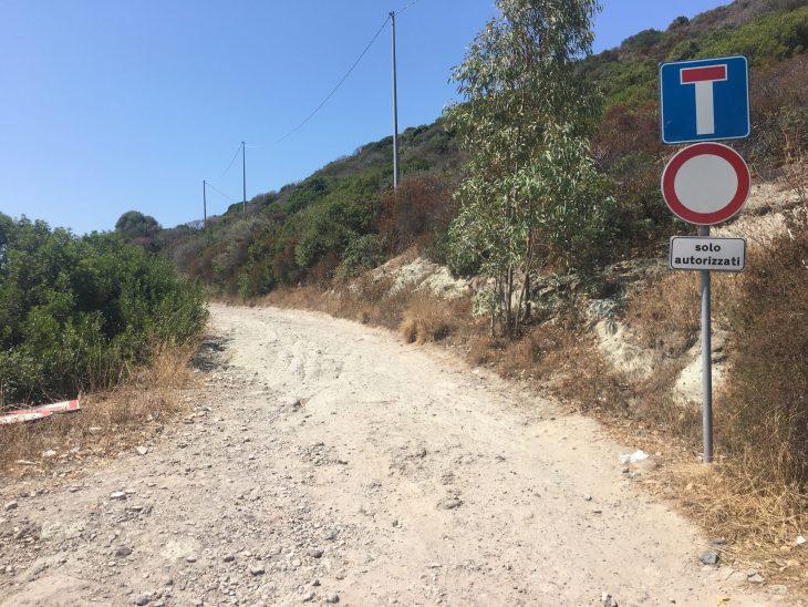 Playa Cala ´e Moro desde Bosa en Cerdeña