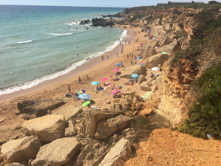 Playa junto a la Cala El Pato en Conil