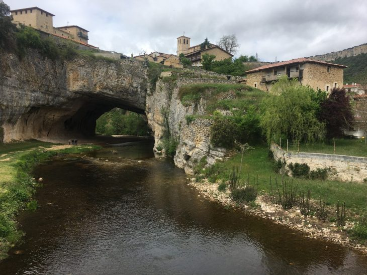 Puente Natural de Puentedey