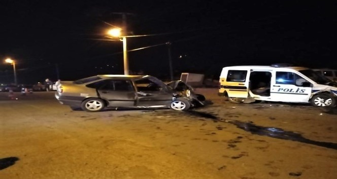 Kahramanmaraş'ta otomobil ile polis aracı çarpıştı: 2 ölü, 4 yaralı
