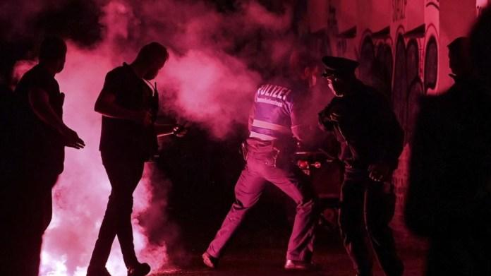 Lepzig'de yüksek kiralara karşı üç gecedir protestolar var