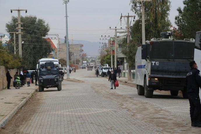 Mardin'de gözaltı, Urfa'da tutuklama