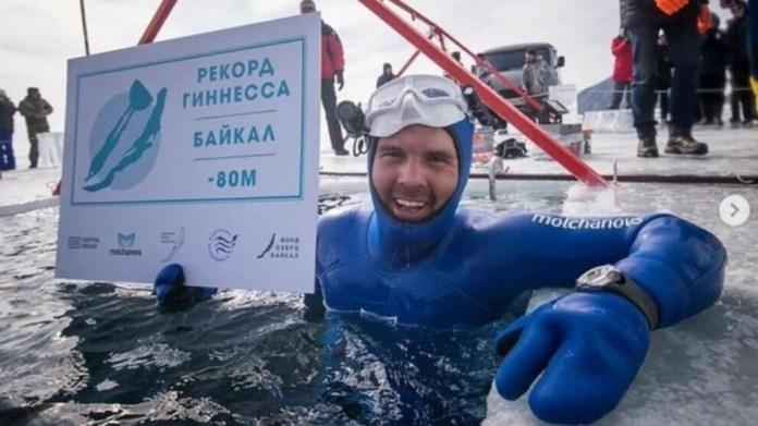 Buz tutan suda 80 metre serbest dalış rekoru