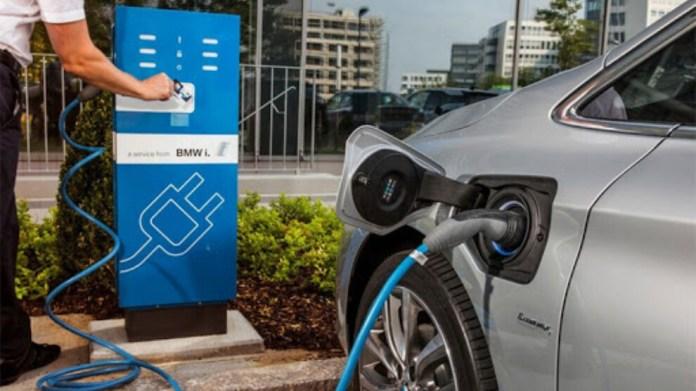 Elektrikli araçlar: Satışlar katlansa da endişeler çok fazla
