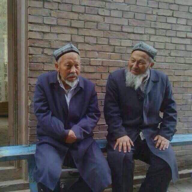 Doğu Türkistan'ın Büyün Din Alimi ve Maarifçi Çin Hapisinde işkenceye dayanamayıp şehit oldu…