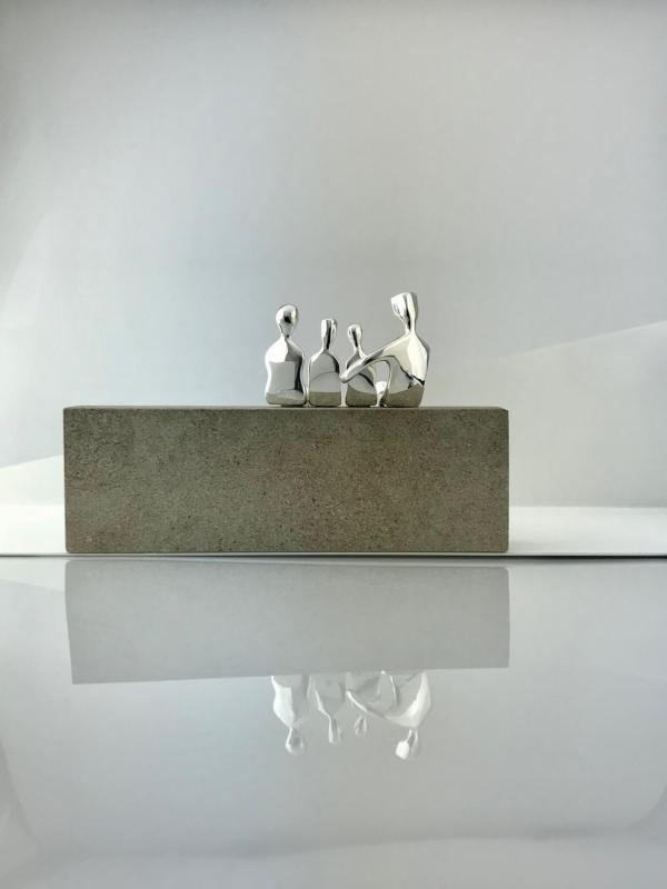 Family of four Caress silver back side