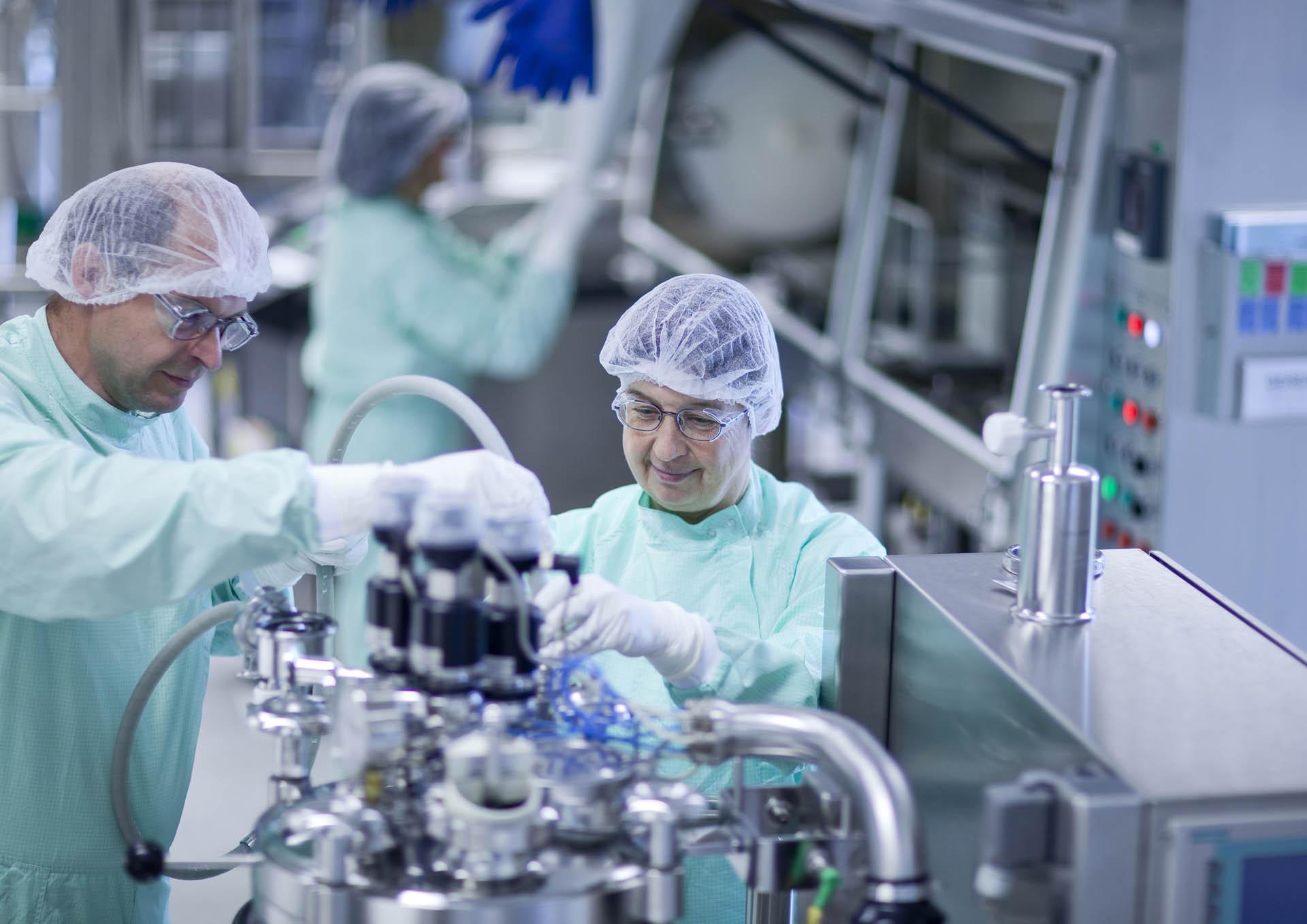 Janssen lab technicians in Beerse