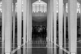 Video: Die National Moschee oder Masjid Negara in Kuala Lumpur