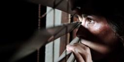 woman-fear-stalking