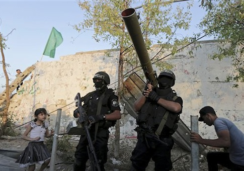 Hamas fortifying border amid threats to strike Israel over commander's assassination