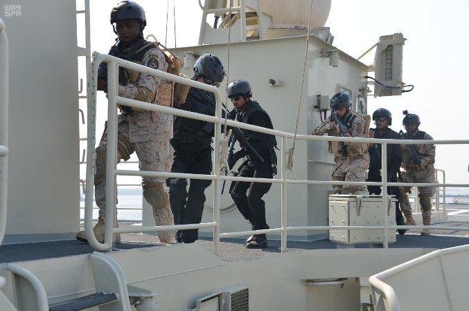 The Saudi navy prevented the infiltration of hostile squads into the Red Sea gas field.