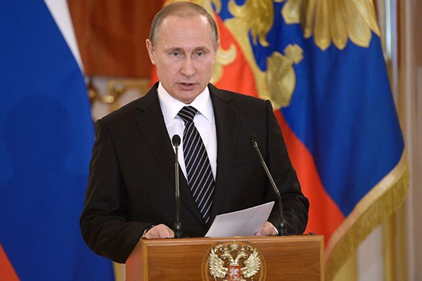 Putin announces complete defeat of ISIS in Syria