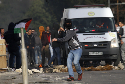 Hundreds of Palestinians clash with IDF soldiers near Beit El