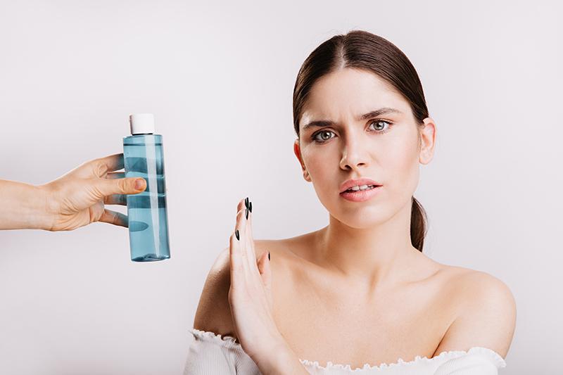 l'eau micellaire et son danger