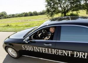 Mercedes-Benz-S-500-Intelligent-Drive-self-driving-car