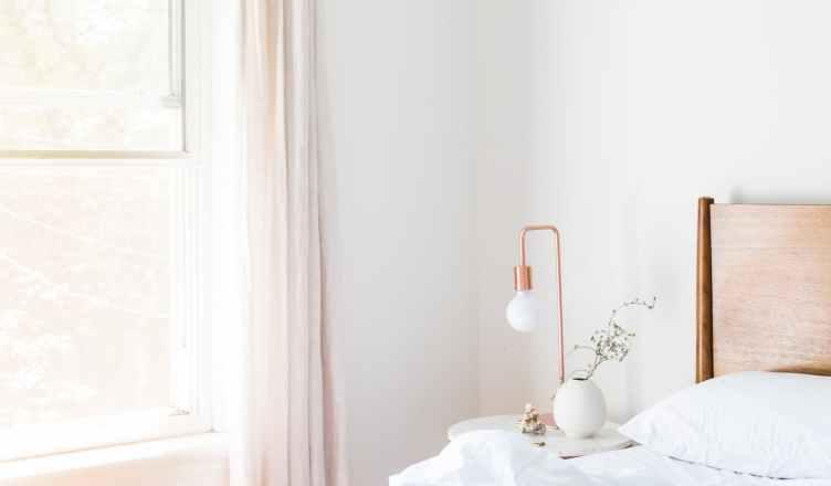 BAR se define como la mejor tarifa disponible, es decir el mejor precio de una habitación del hotel para un día determinado, en un momento concreto, en un entorno competitivo determinado y en la mayor parte de las ocasiones sin ningún tipo de condición
