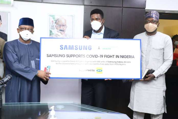 Covid-19: MTN and Samsung donates 500 smartphones and free data to isolation centers