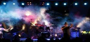 concert-mise-en-ambiance-evenementielle-avec-fumee