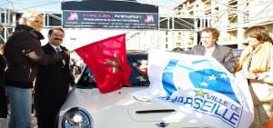 drapeaux-officiels-marseille-sur-mini-cooper-evenement-rallye