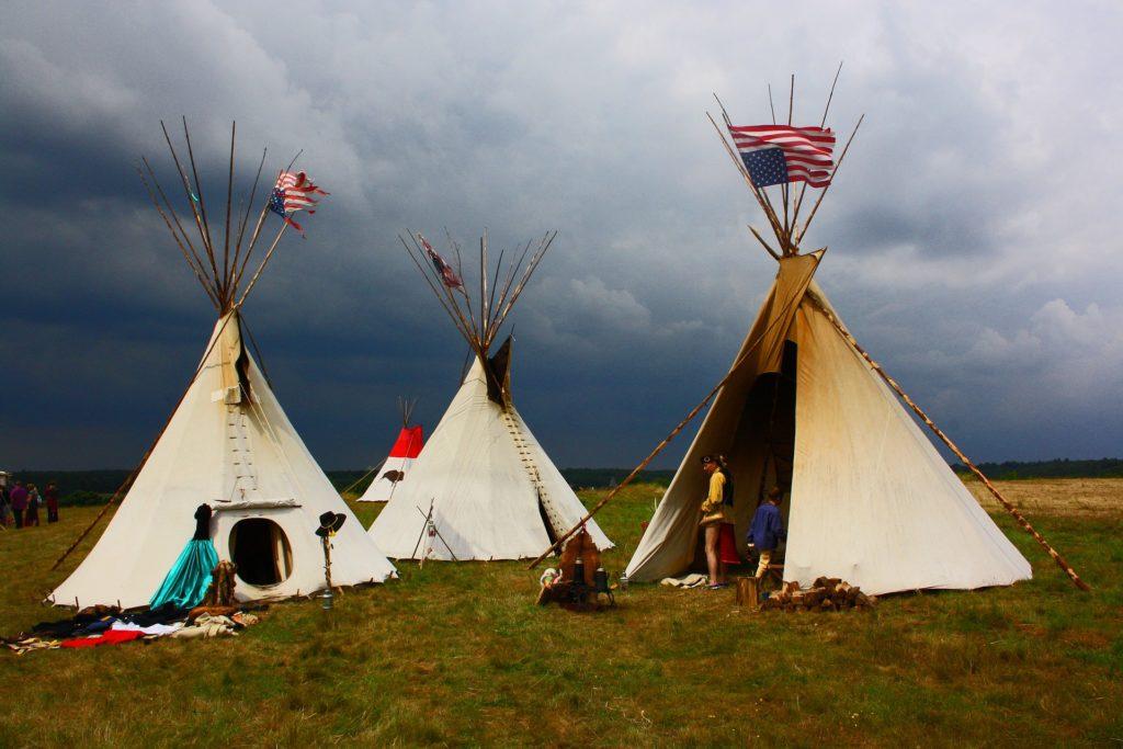 indians インディアン テント キャンプ 草原