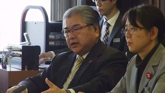 色をなして金子に答弁する上田市長、写真提供:やまと新聞社