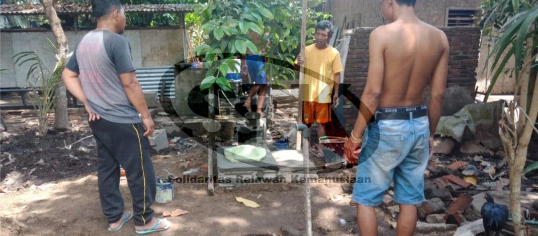 Pembuatan MCK di Dusun Dopang
